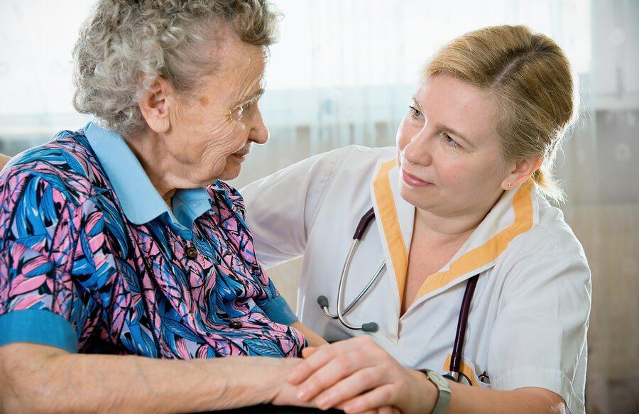 How to Choose a Senior Caregiver